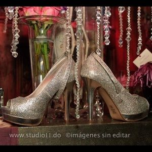 Shoes - Silver Sequined Pumps